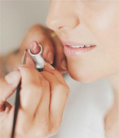 魅力红唇迷人至极:唇部新娘妆