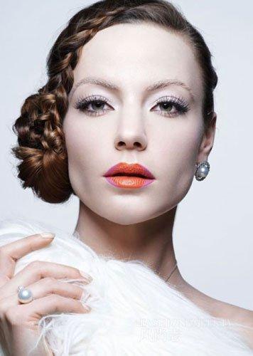 妆发搭配造型 打造白日冰雪肌