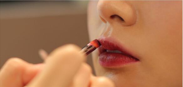 化妆学校教你打造出致命诱惑美妆
