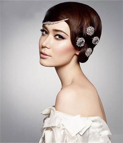 新娘盘�_现在就来看看小编今天带来的欧美盘发新娘发型,相信这里有你要的灵感