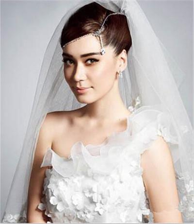 欧美盘发新娘发型