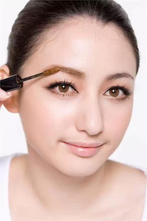 如何化出漂亮眉形