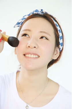 简单随性的清新甜美妆化妆步骤