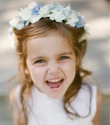 甜美的花童发型 让花童如天使般美丽