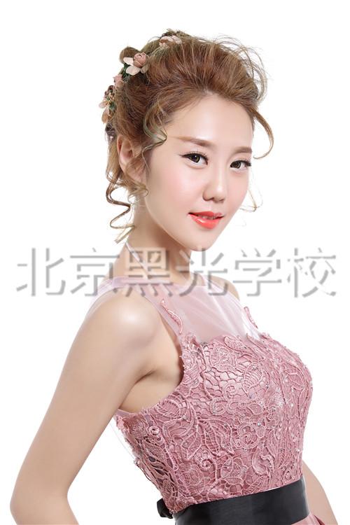 北京化妆学校哪个好?