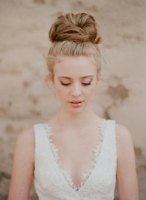 优雅气质新娘盘发造型