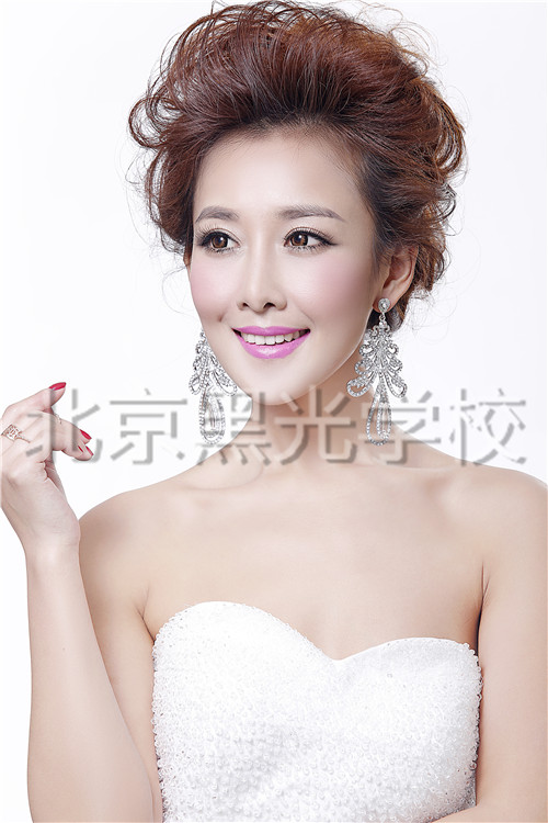 北京有哪些化妆学校?