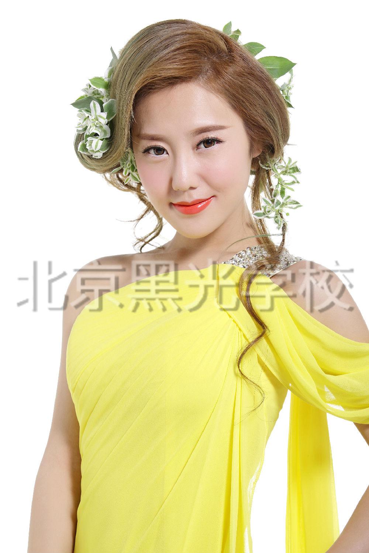 北京哪个化妆培训学校好?