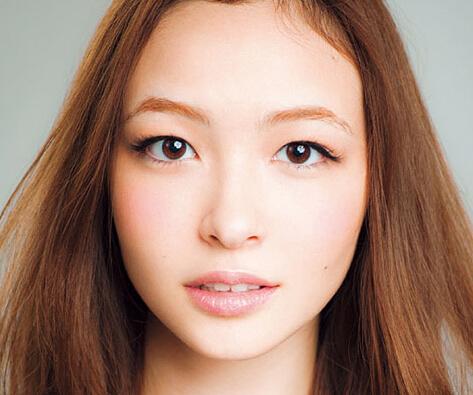 化妆学校分享 魅力大眼妆化妆教程