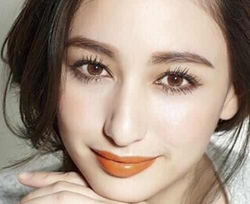 温暖自然的橘色妆容 尽现女性柔美