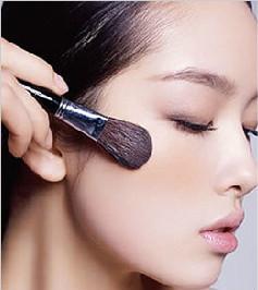 新手应该如何学习化妆呢?