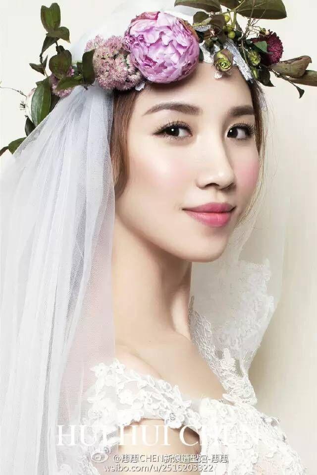 大气简约的新娘鲜花造型
