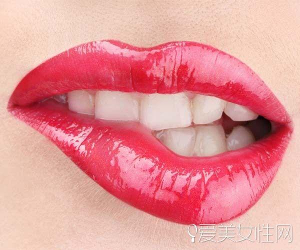 怎么画诱惑的迷人红唇