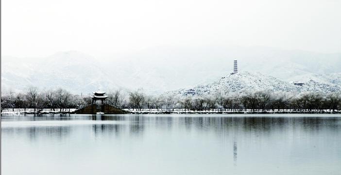 带你漫步梦幻的雪后的颐和园