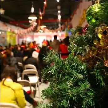 缤纷圣诞 嗨翻校园 — 黑光教育圣诞Party