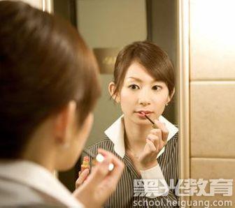 不会化妆的人怎么学化妆