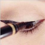 化妆中的眼线画法小技巧