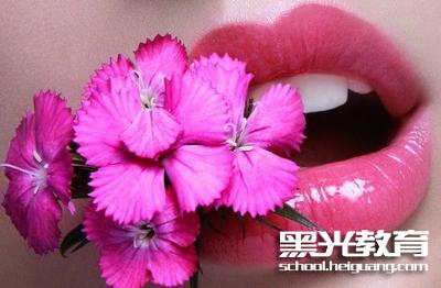 唇膏使用技巧_化妆资讯_北京黑光化妆学校