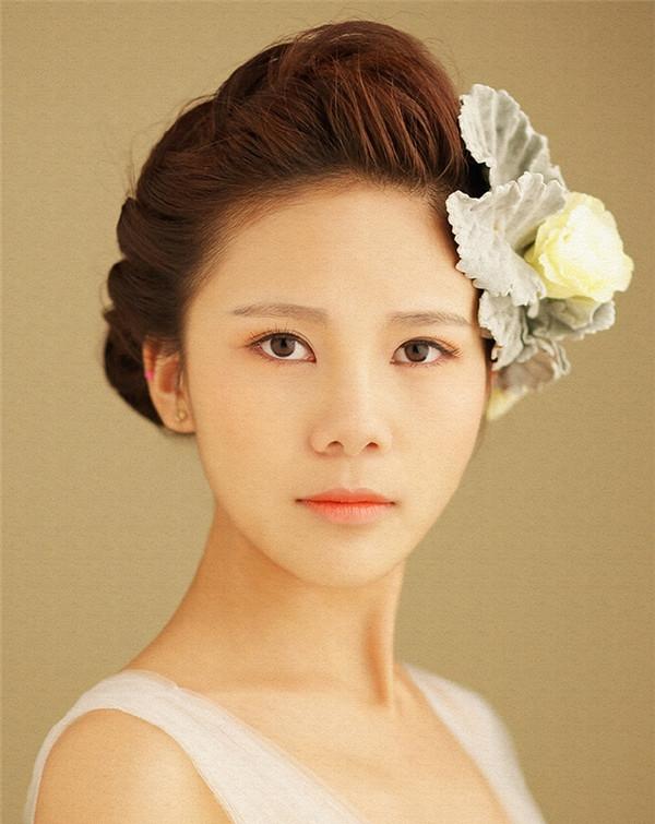 如何做一个吸睛女王_化妆咨询_北京黑光化妆学校