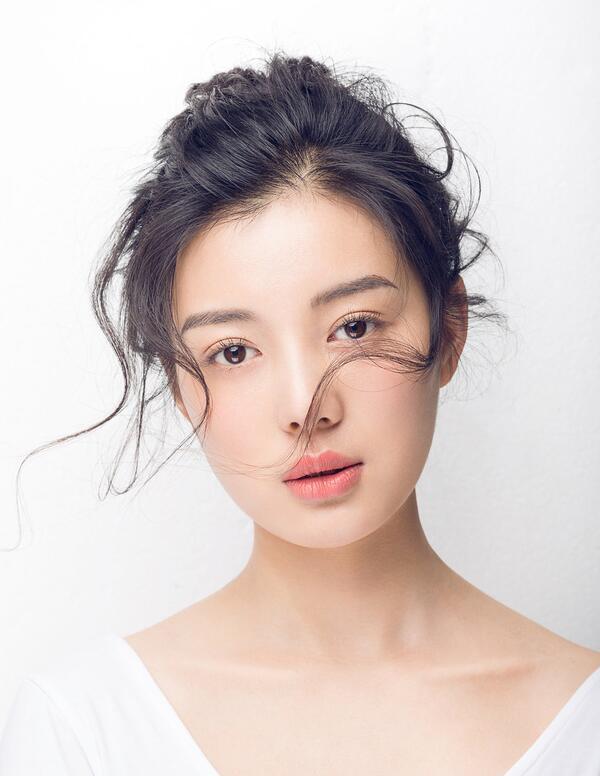娃娃妆怎么画_化妆资讯_北京黑光化妆学校