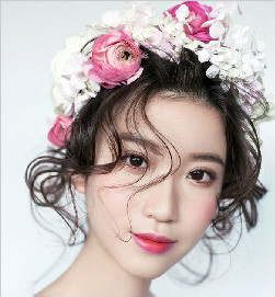 教您简单的几部打造出亮眼的新娘妆容_北京黑光化妆学校