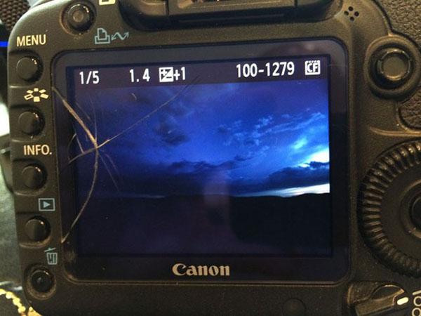 黑光摄影学校摄影技巧教程丨自己动手更换相机玻璃外屏