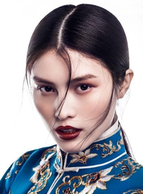 北京黑光化妆学校老师教你四招垂眼化妆技巧