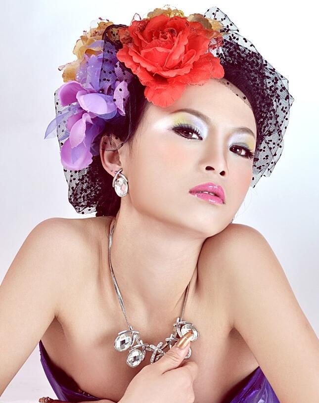 单眼皮怎么画烟熏妆_化妆资讯_北京黑光化妆学校