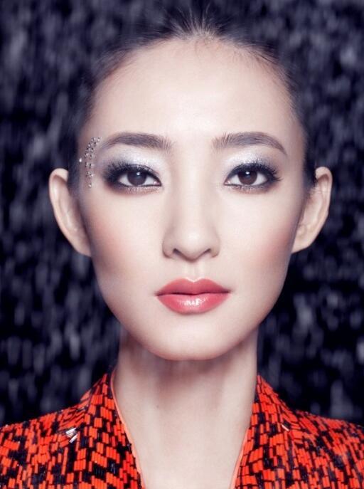 清新裸妆怎么画_化妆资讯_北京黑光化妆学校