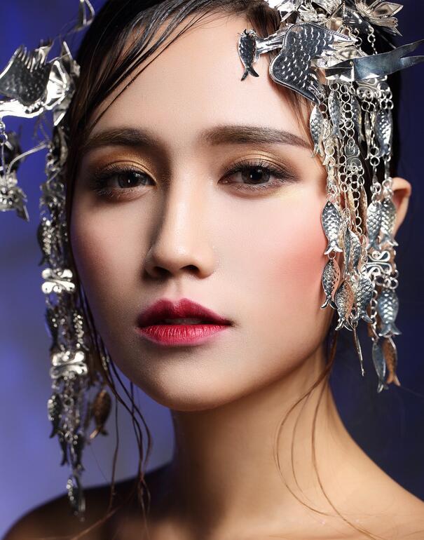 要怎么样化混血妆_化妆资讯_北京黑光化妆学校