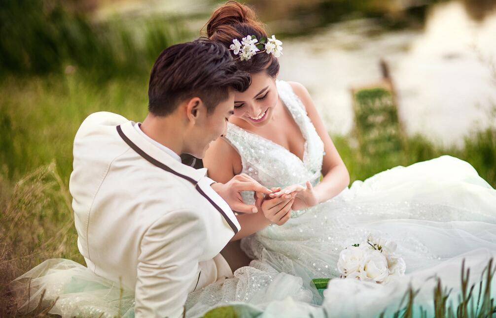 新手拍婚纱照摄影技巧都有什么_摄影资讯_北京黑光摄影学校