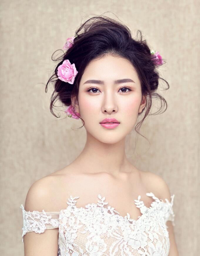 新娘妆要怎么画_化妆资讯_北京黑光化妆学校