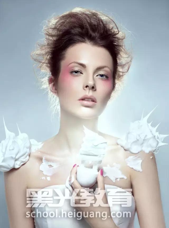 化妆不仅仅是令自身的面容更加美观精致,同时还是提升自信心 好的辅助工具,因此化妆成为了广大年轻人士 想学习的手艺,那么北京哪个化妆学校管安排就业呢?寻找专业实力强的化妆学校具有的机会更多。