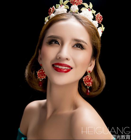 http://makeup.heiguangschool.com