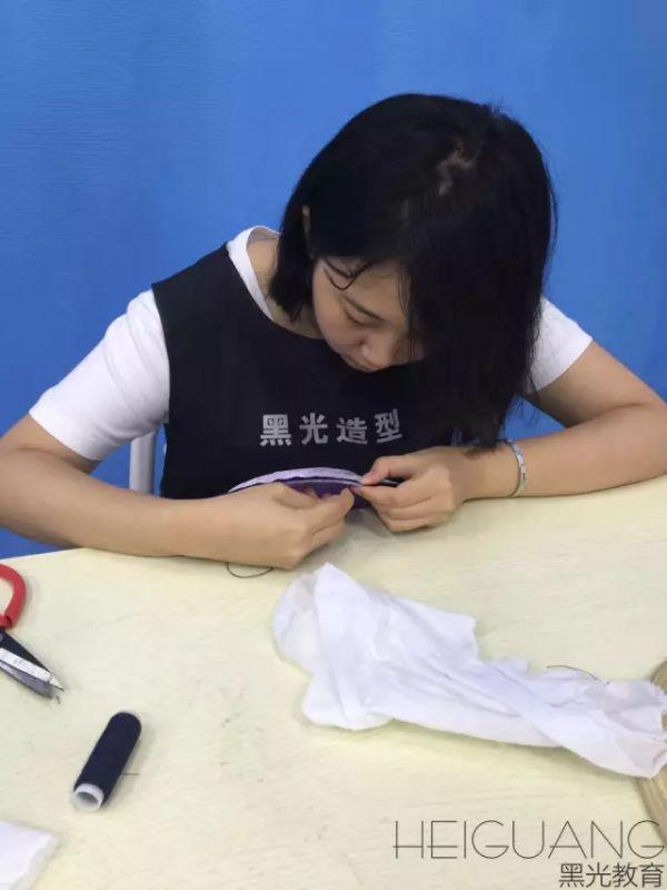 学手工饰品制作有亲前途吗