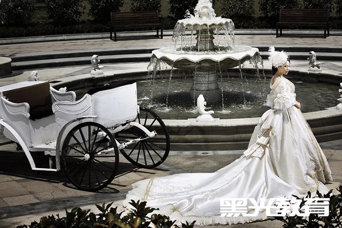 婚纱摄影培训学校学费贵不贵