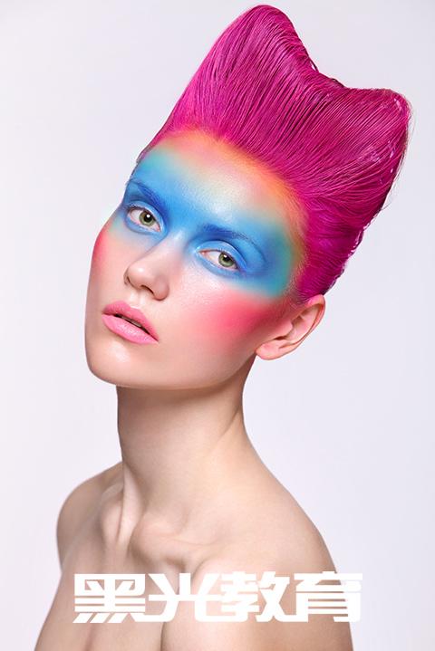 不知道该如何学习化妆才能完成自己的梦?
