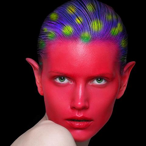 复古红唇妆画法 6步打造完美新娘唇妆