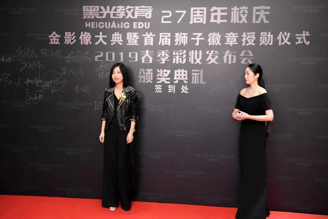 当代新锐艺术家/时尚摄影师杨子坤女士